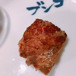 焼肉ホルモンブンゴ - 焼いたクリ、ワサビで。