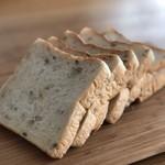 土切製パン  - 三穀食パン