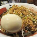 味噌蔵ふくべえ - 麺はデフォルトで多め設定なので、同料金でハーフ・味玉付に出来るサービスあり。