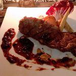 Terrace Dining TANGO - US産ブラックアンガスビーフ 淡路産玉葱のガーリックソース 山葵を添えて 250g @3,400円