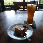 ブリランテ - チーズケーキセット(マンゴージュース)