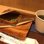 ポークたまごおにぎり本店 - ポークたまごおにぎり空港1F店(ポーたま、もずくのスープ)