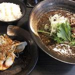 香氣 四川麺条  - 紅黒胡麻担々麺@840円と水餃子3個@190円 ライスはサービス