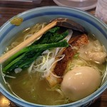 84562334 - 真鯛と菜の花の塩らー麺¥1,250+醤油味玉¥100