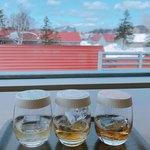 ニッカウヰスキー 余市蒸溜所 - 左から余市、スーパーニッカ、アップルワイン