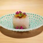 84566016 - ほし鰈、茄子 大好きなムラーノ島のガラス皿