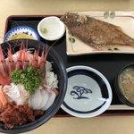 おろろん食堂 - 海鮮丼 2200円
