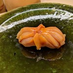 鮨みやもと - 握り 赤貝 握る直前に殻から剥くので香りが違います