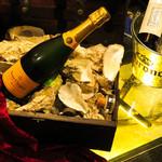 牡蠣&海老バル EAST BLUE - 美味しい牡蠣とお酒をお楽しみ頂けます