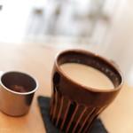 栄久 - ジャムを入れるとものすごく美味しくなる不思議な「MASH IRO のカフェオレ」