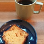 CAFE D-13、ときどき五味食堂 - グアテマラ+キャラメルりんごのパウンドケーキ