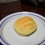 ケイユー - サービスのメロンパン