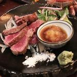 嬉々 わらまさ - 松坂牛A5ランクヒウチタタキ(980円)と、お造りもりあわせやっ(・∀・)シランケド!!!!!