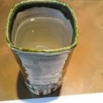 レノン - お水のグラスもおしゃれ