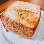 ニッカ会館レストラン 樽 - お米パンの熱々グラタン!