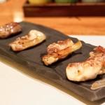 焼鳥YAMATO - ☆熟成鶏(フサンダージュ)の焼霜