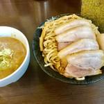 つけ麺 弥七  - 特製つけ麺の特盛(麺500g)チャーシュースペシャル【料理】