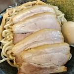 つけ麺 弥七  - 特製つけ麺(特盛)アップ【料理】