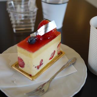丸安田中屋  - 料理写真:フレジェ&コーヒー~☆