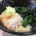 横浜家系ラーメン アメ村家 - ・豚骨しおラーメン+ほうれん草3倍