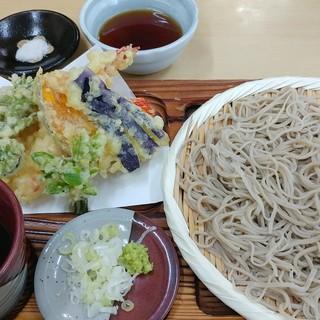 手打そば処 はん田 - 料理写真:十割そば 天もり 2000円