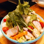 ピッツェリア パーレンテッシ - おいしい野菜達でサラダ