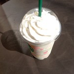 スターバックス・コーヒー - バニラクリームフラペチーノ ベンティサイズ 594円