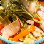 ピッツェリア パーレンテッシ - みずみずしい新鮮野菜 美味しい~