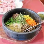 焼肉備山 - 料理写真:石焼ビビンバ。875円