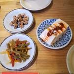 84598954 - 軟骨揚げ、山くらげ、海老味噌豆腐