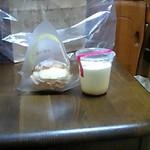 ナチュレ - 料理写真:プリン・シュークリーム