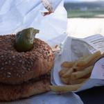 SK - ハンバーガーは確かにシンプルな家庭っぽい味