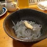 天史朗寿司 - 料理写真:生シラス 生酢を掛けて頂きます