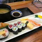 すし幸 - 寿司定食E ¥1000(税別)。かなりお手頃です!