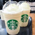 スターバックス・コーヒー - ドリンク写真:ホワイトブリューコーヒー&マカダミアフラペチーノ