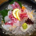 たまがんぞう - 愛媛の養殖物の鯛の活けづくり(コリコリ・・食感重視)