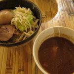 ひかり製麺堂 - ゆず風味の味玉つけ麺(小150g)