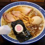 醤油ラーメン 柴 - 料理写真:醤油ラーメン 柴(醤油ラーメン 680円+味玉50円)