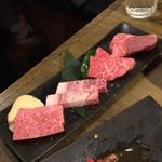 USHIHACHI - 黒毛和牛、究極盛り4種(二人前)
