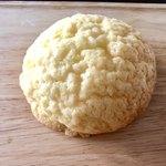 ベーカリーファクトリー - 黄金メロンパン