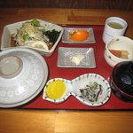足摺荘 - 料理写真:かつおのたたき定食