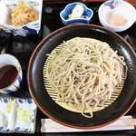 千寿庵 - 細い蕎麦(大盛)