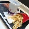 マクドナルド - 料理写真:ポテトのM(270円)とコーラのM(220円)