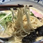 㐂九八 - 鴨とハマグリの中華そば 麺リフト