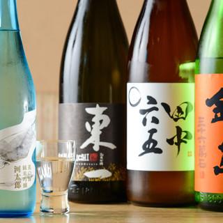 和の味を引き立てる全国から厳選した美酒が選り取り見取り。