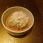 野菜割烹 あき吉 - 蓋物:丸茄子饅頭、 蓬麩 、糸花 卸生姜 美味出汁