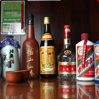 長期熟成された深い旨味と余韻…『上海老酒』を熟成年毎にご用意