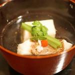多仁本 - 大分の鯛と胡麻豆腐のお椀