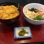まるつ - 親子丼+うどん(冷たい)セット