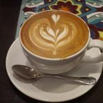Urth Caffé - カフェラテ(ミディアム)